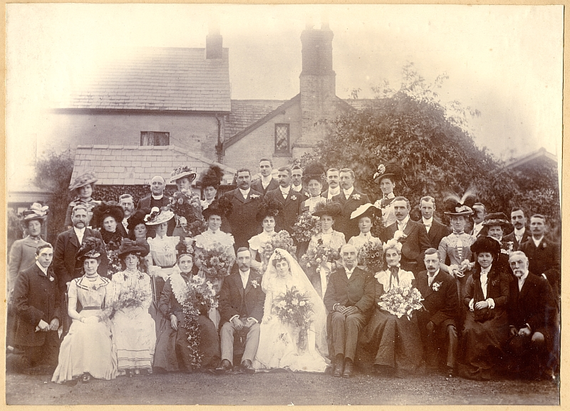 Wedding group, 18th September 1901
